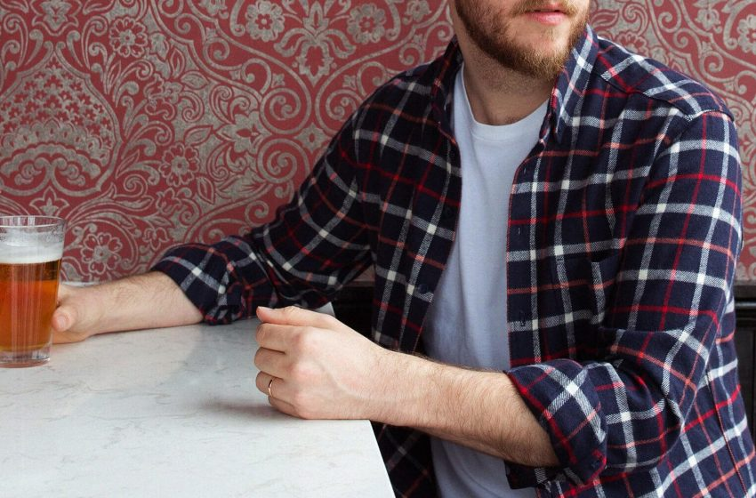 The Different Style Styles of Men's Button-Up Flannel Shirts