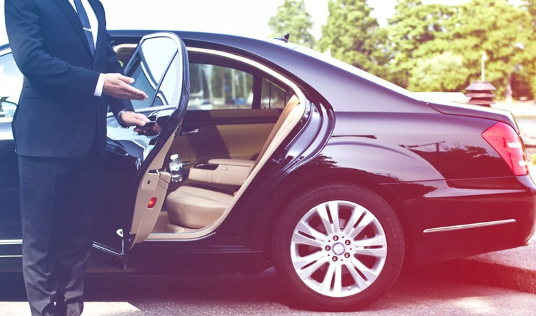 Reasons and Tips To Choose A Reliable Airport Limo Services
