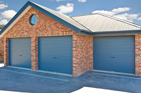 Manual Garage Doors vs. Automatic Garage Doors