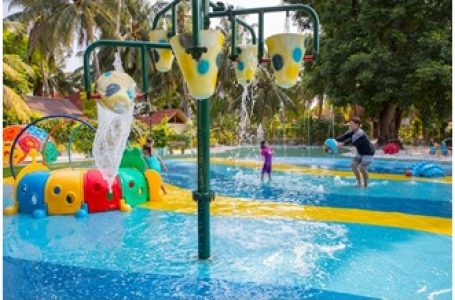 Why are splash pads becoming more popular across our country?
