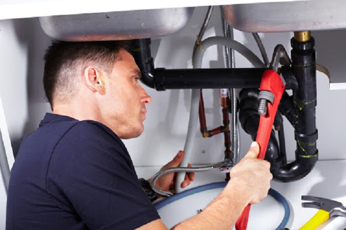 What Are The Main Advantages Of Hiring A Professional Plumber?