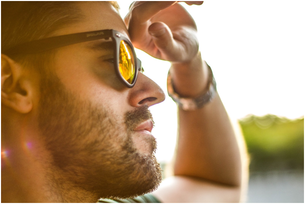 Dark Eyes – From the History of Sunglasses