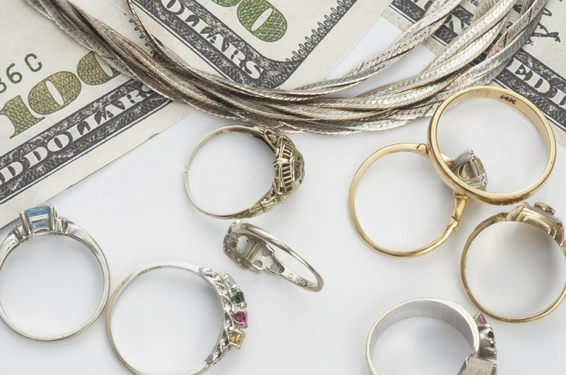 Factors to consider when purchasing jewelry items from the pawnshop