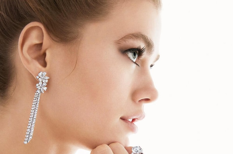 What are the latest design earrings for women in 2020?