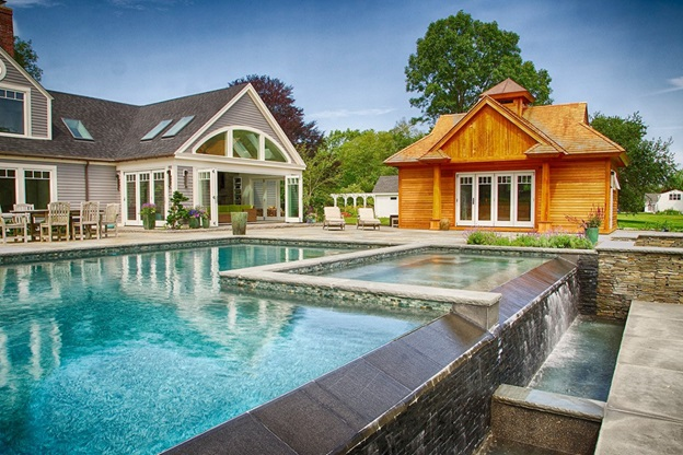 What Is The Importance Of Hiring A Custom Home Builder?