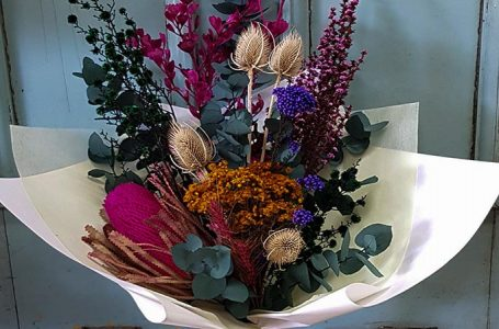 Here Are The Top 4 Reasons Why You Need To Have Dried Decor Flowers At Home in 2021!