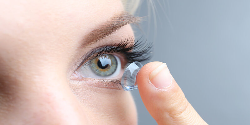 How To Wear Contact Lens