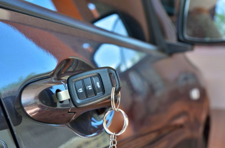 What Happens if You Lock Yourself Out of Your Car?