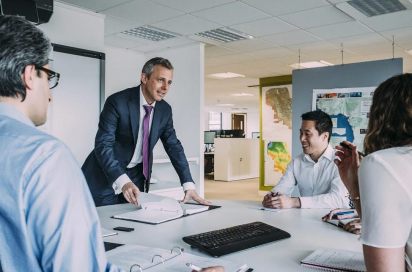 5 Ways to Successfully Lead a Team